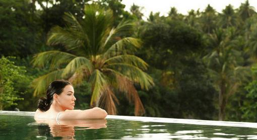 Twin-Sands-Resort-pool